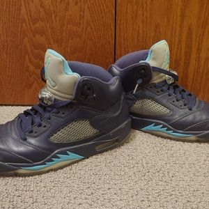 "Jordan Retro 5 Pre-Grape ""Hornets"""